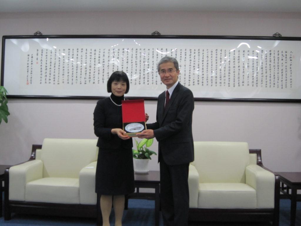 上海財経大学副学長との懇談