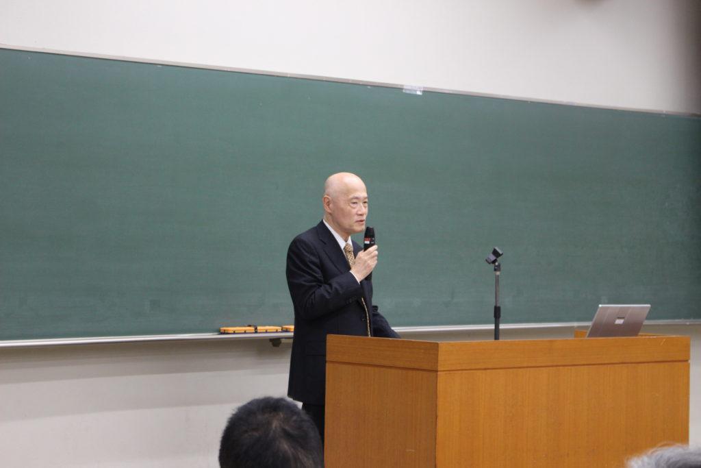 佐藤宏理事・副学長