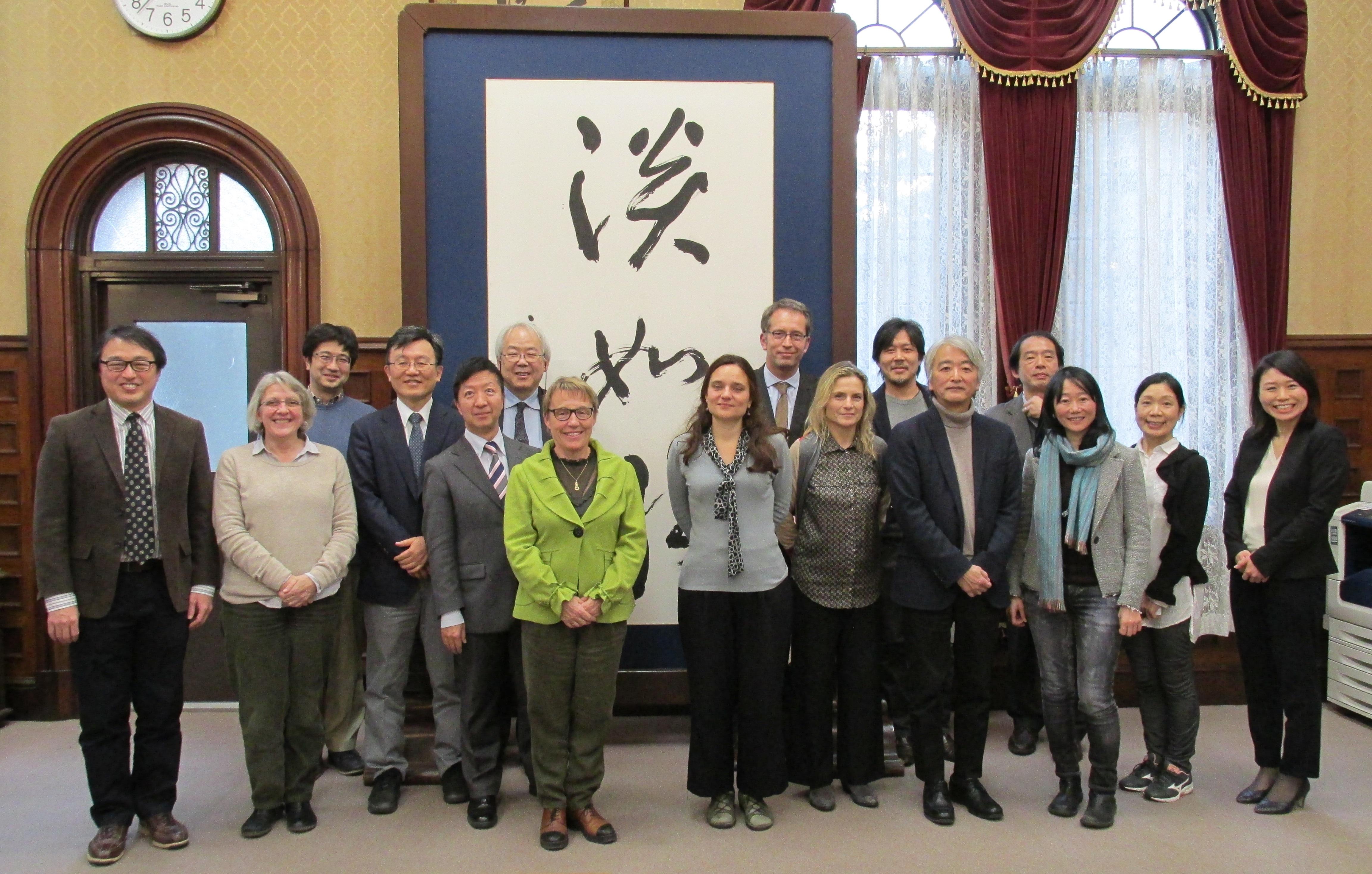 経済学研究科、社会学研究科、経済研究所の教員らとのセッション
