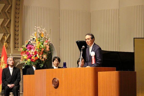 photo: Congratulatory address by Teisuke Kitayama, Chairman of the Board of Sumitomo Mitsui Banking Corporation (SMBC)